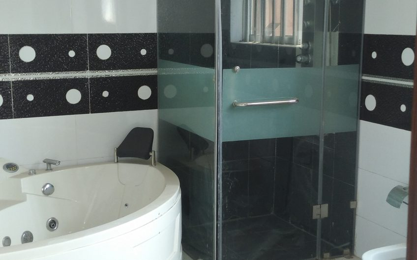 To Let: Tastefully finished  serviced 5 bedroom terrace duplex. Location: GRA, Ikeja. Rent:N8m