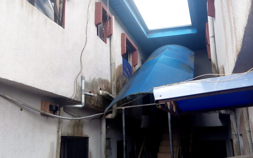 FOR SALE: 4 no of 3 Bedroom Flats and 2 Bedroom flat on the Land of 600sqm at a corner piece