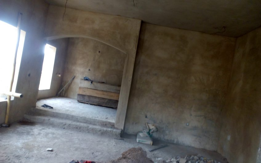 FOR SALE: An uncompleted Massive 5bedroom Detached House with a 2bedroom flat.